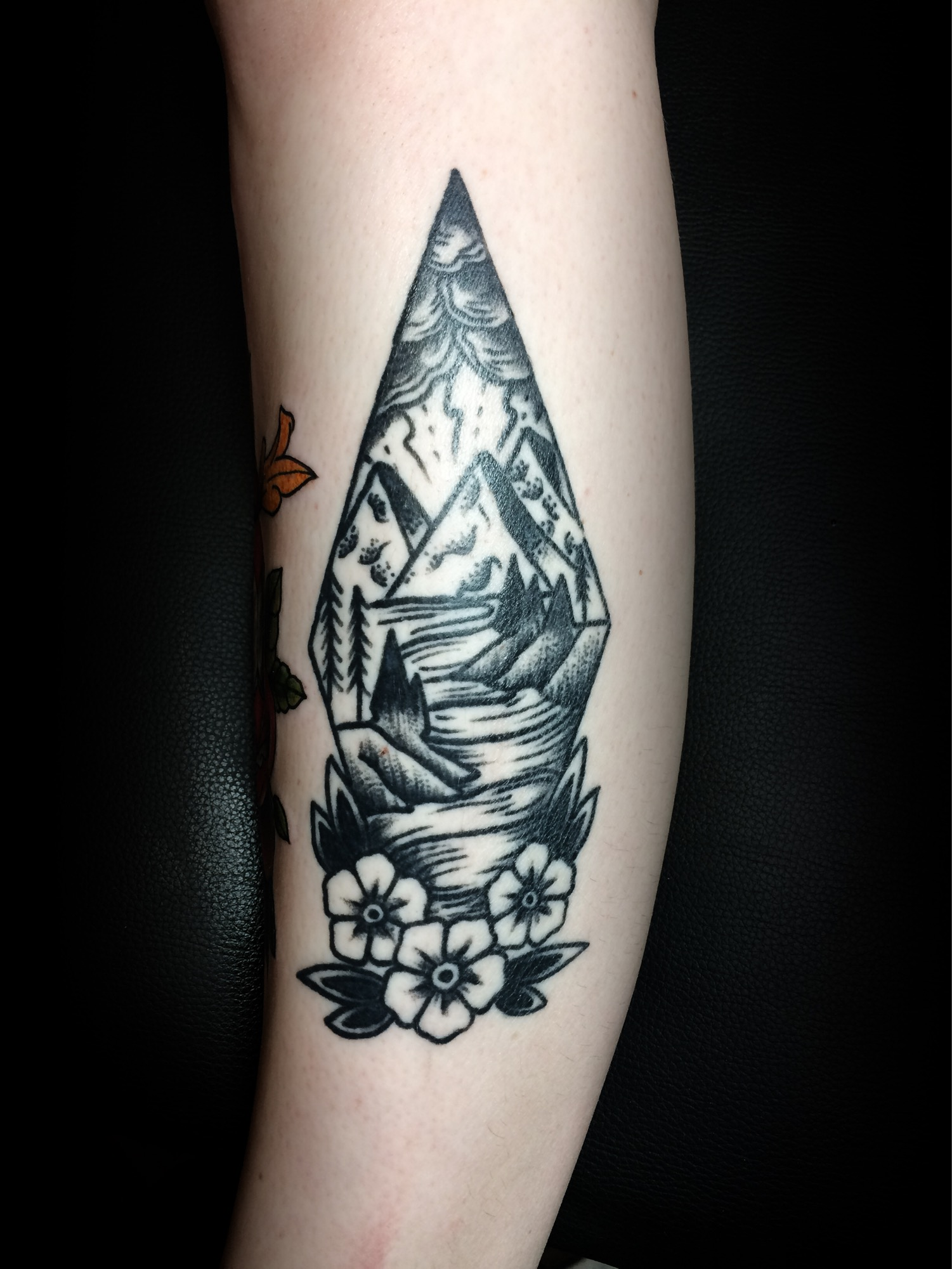 Blackwork-Tattoo-Berlin-Ivan-Herrera-Diamant